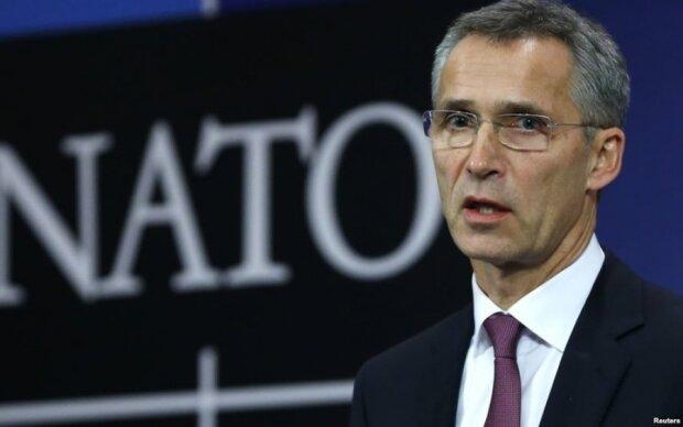 У НАТО назвали єдиний спосіб вирішення ситуації на Донбасі