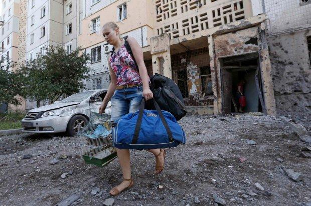 Підрив компартії в Донецьку: відео з місця подій