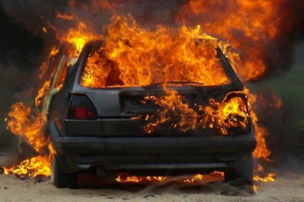 Одеса здригнулась від страшної пожежі: на місці авто залишився лише попіл