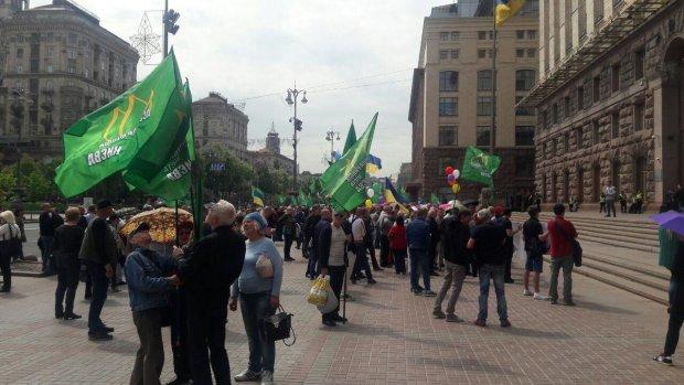 """""""Вбивають бізнес"""": сотні підприємців благають Зеленського про допомогу"""