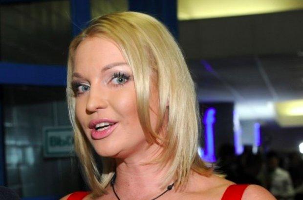 """Опухшая Волочкова объявила войну Стейтему в #bottlecupchallenge: """"Мой личный ответ"""""""