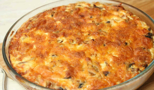 Лоранський пиріг з грибами і куркою