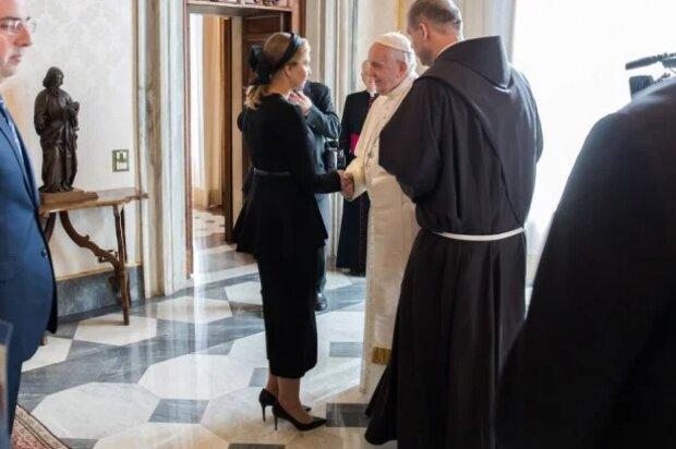 Олена Зеленська вбралася в траур під час візиту до Папи Римського