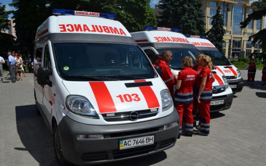 Медики ''швидкої допомоги'' терміново звернулися до президента Зеленського (відео)