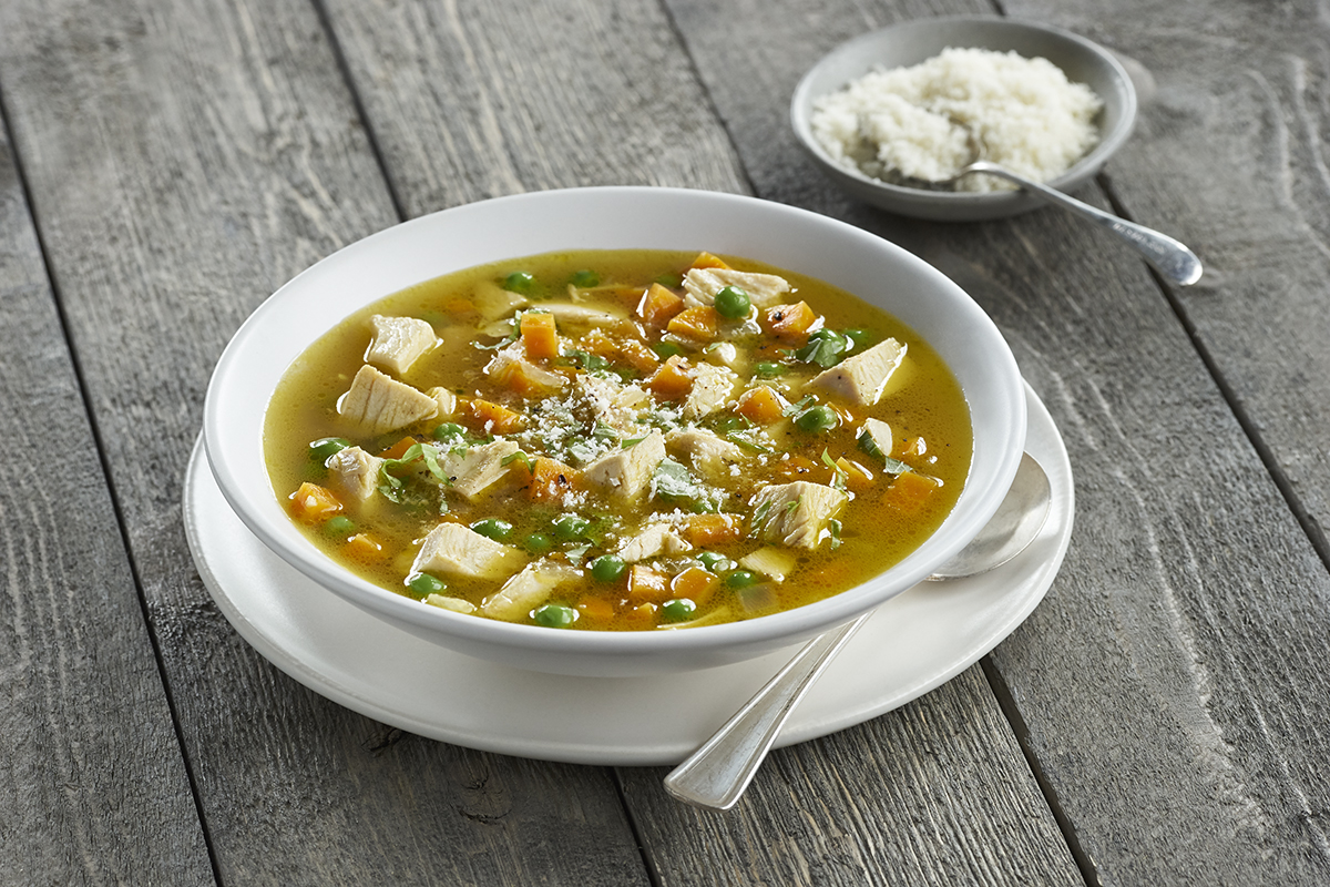 Все дети любят суп с макаронами, мои в особенности.
