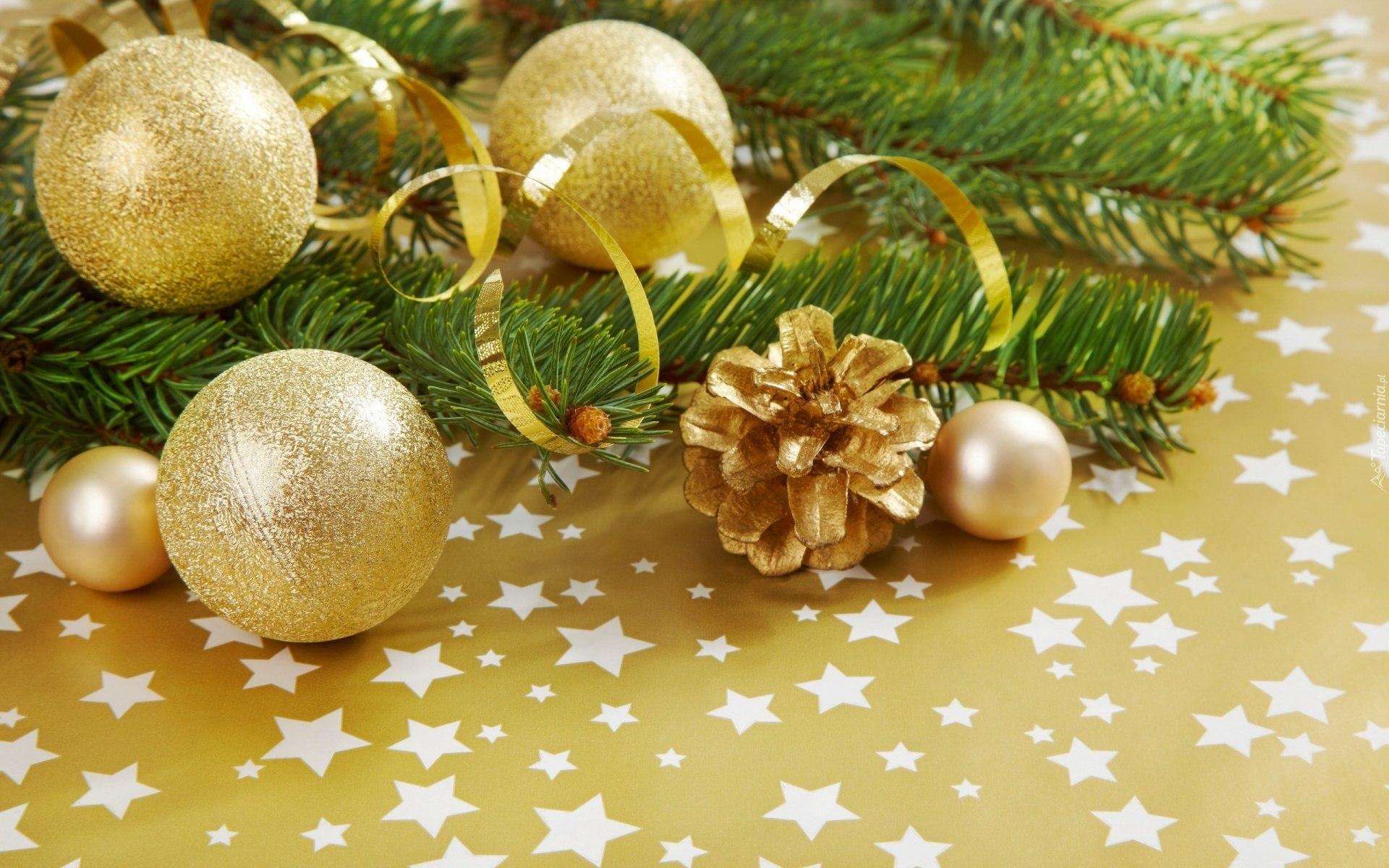 Открытка с новым годом в золоте