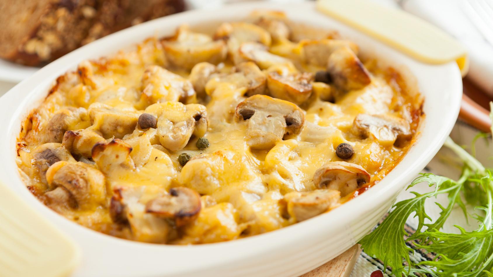 Покроковий рецепт картопляної запіканки з грибами і помідорами ...