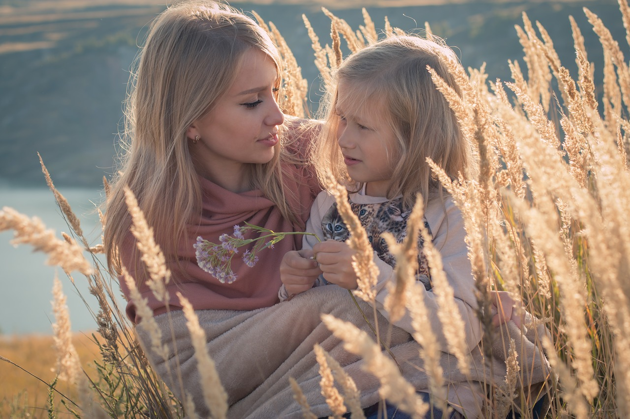 Картинки мама и дочь красивые