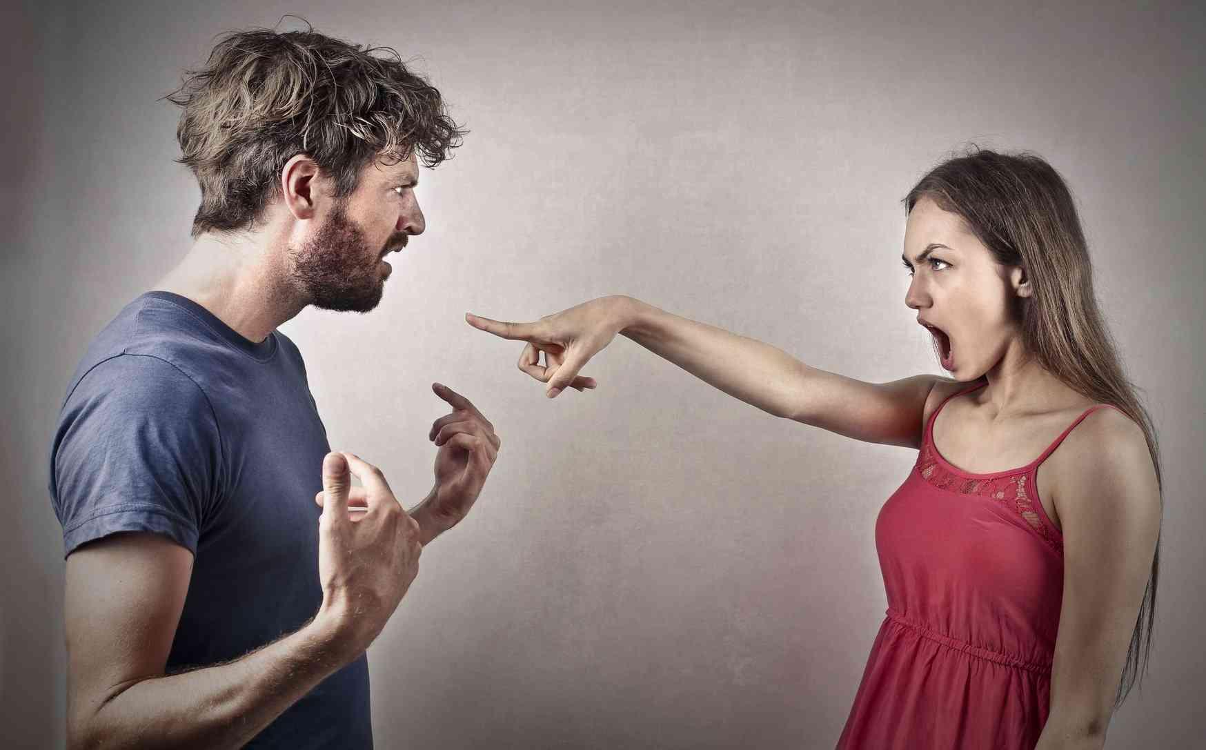 картинки с ссора с людьми разрешено переходить
