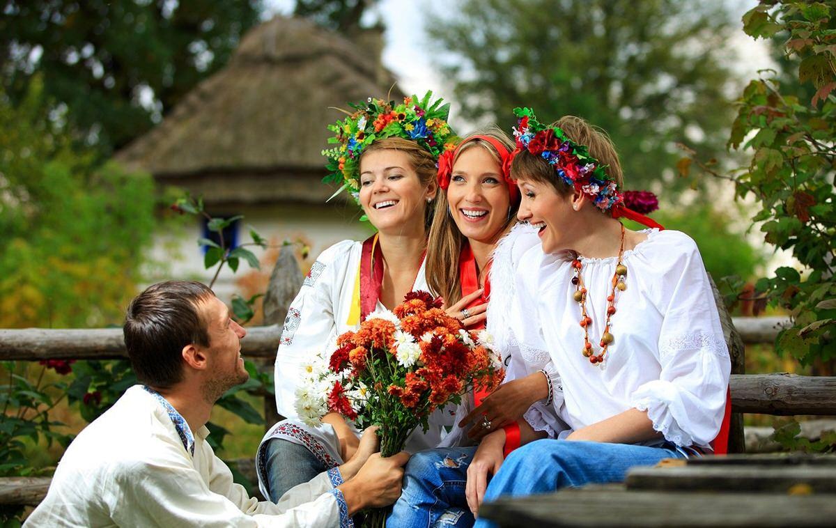 С молодыми украинками — pic 1