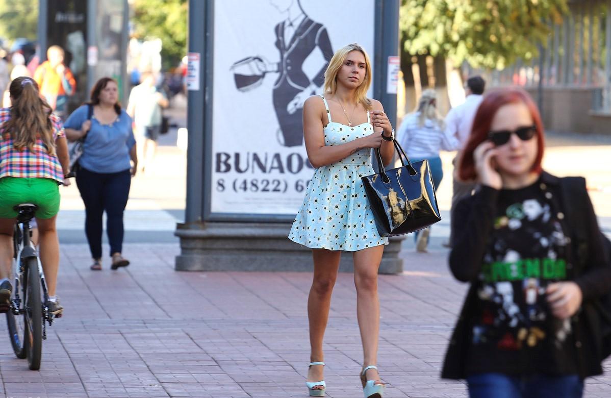 Фото девок на улицах, я теку при виде мужика