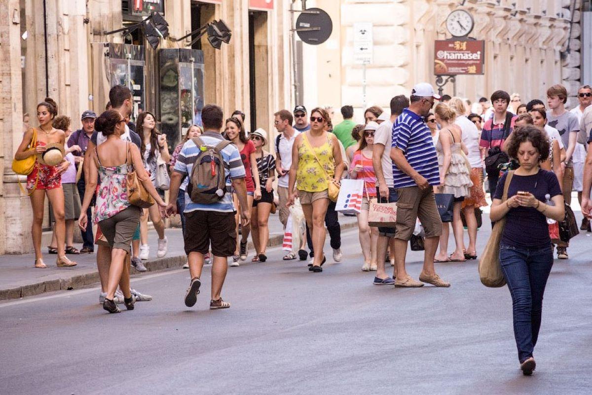 мере фото людей на улицах европы своем профиле