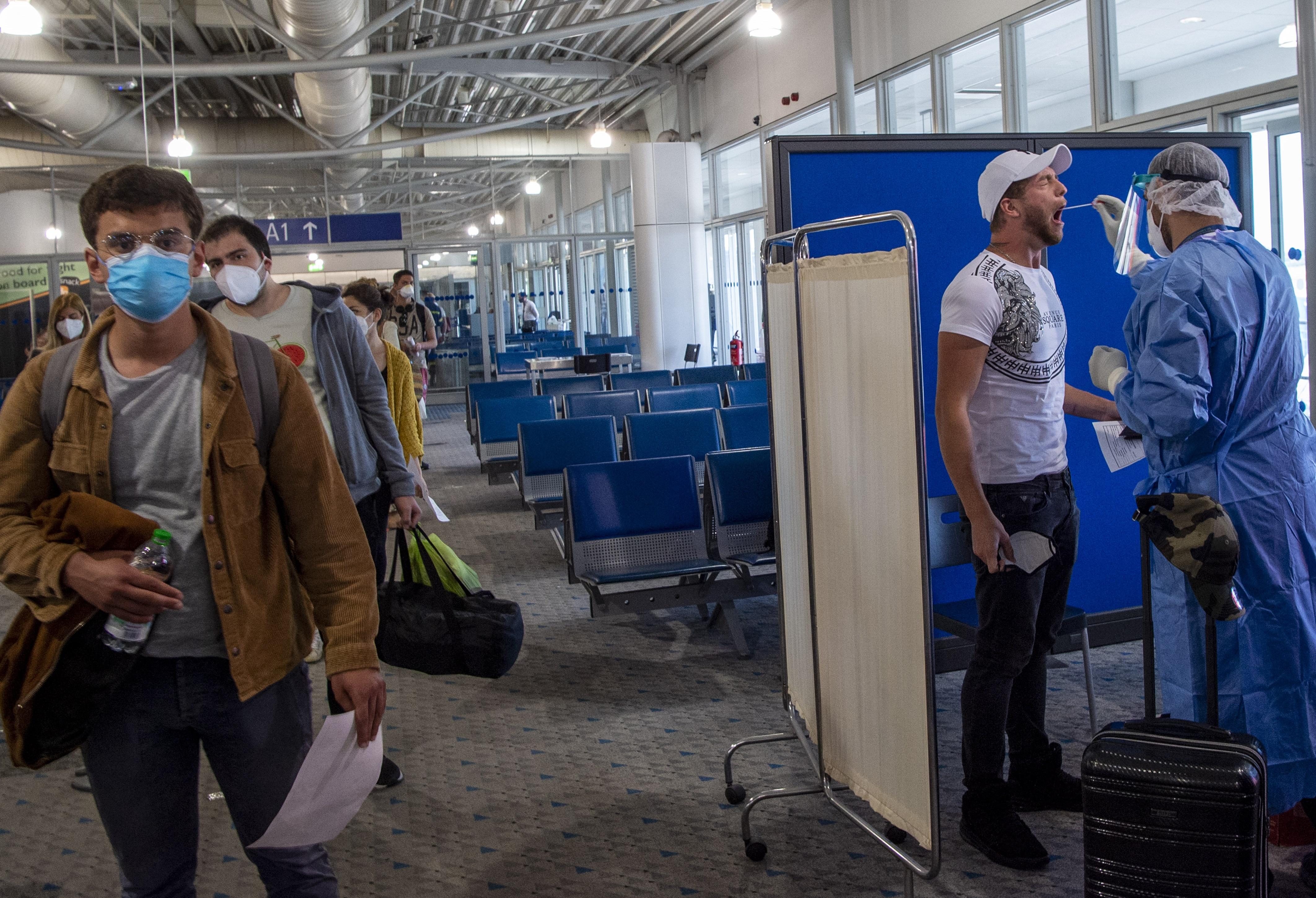 Успеть за 72 часа: кому разрешат въезд в Европу, главные требования